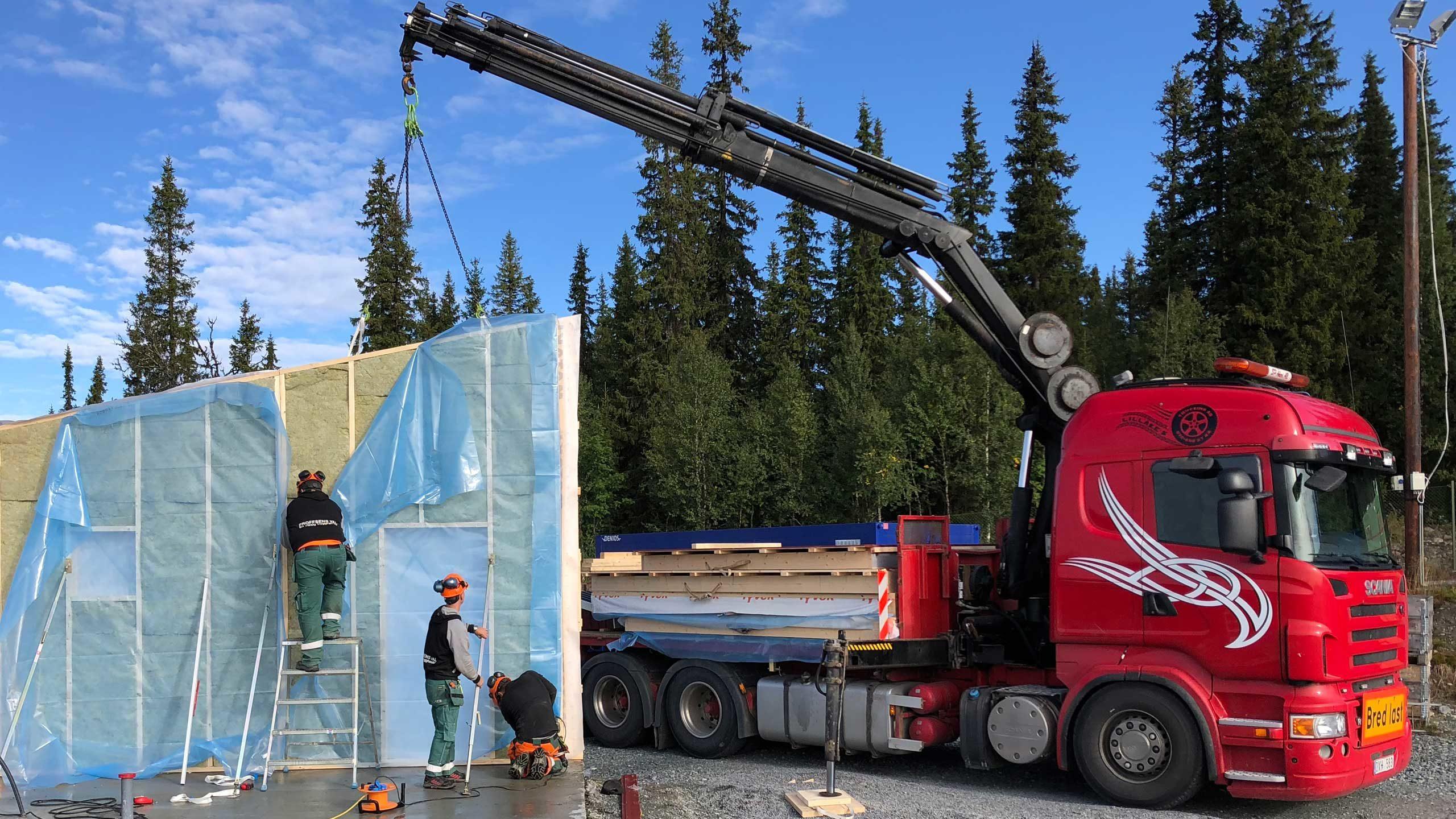 Transport av väggblock, takstolar och annat byggmaterial